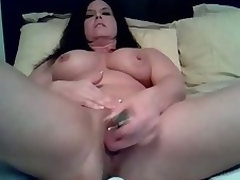 Mature floozy can't live without being alone so that babe can use her vibrating sextoy to fuck her soaked cookie in this amateur masturbation video clip. See her treat her cookie to a fucking session on her own.