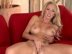 Brett Rossi goes out all to satisfy the crew as well as u in this outrageously hot solo scene. On a side note, what luscious legs! And who knew that babe was so flexible Wow!