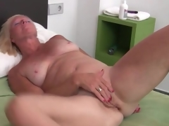 Hawt solo blonde older masturbates box