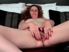 Unshaved hair milf has gorgeous pubic hair