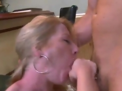 Mature Shawnie Austin Has A Small in number Drinks And A giant sex invade At the Bar