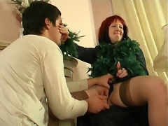 Crummy mature chick diddling her pussy itching for young pulsating pecker