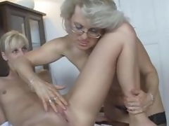 Teen GF enjoys dealings with his mamma